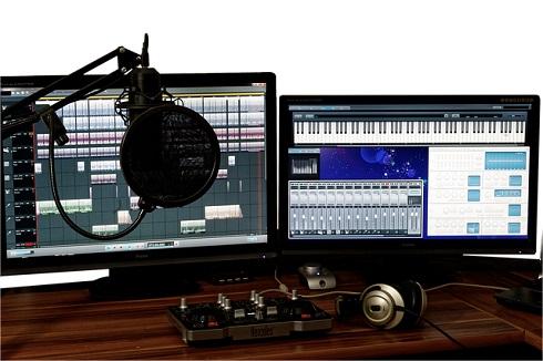 studio-1004158_640